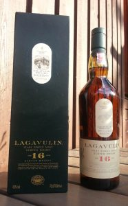 Lagavulin 16 year old single malt whisky review