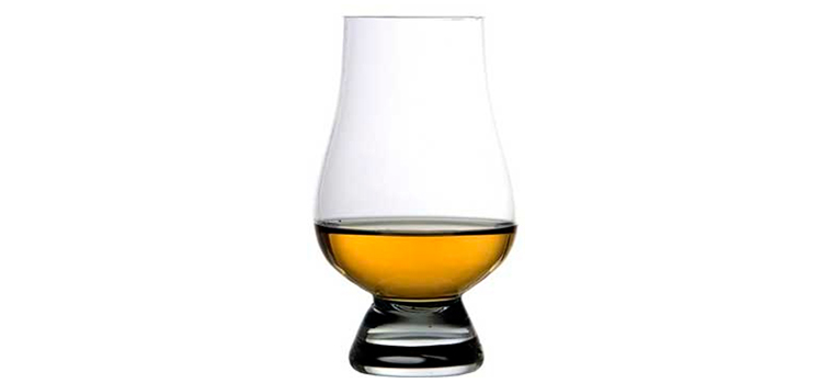 Whiskey glasses, which ones to choose when starting a tasting? Whisky glass is essential for making the tasting work