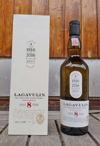 Lagavulin 8YO single malt whisky review