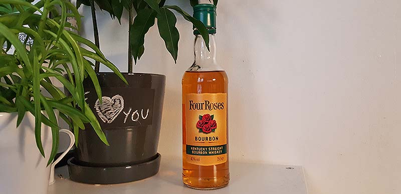 Four Roses Kentucky Straight Bourbon Whiskey Review
