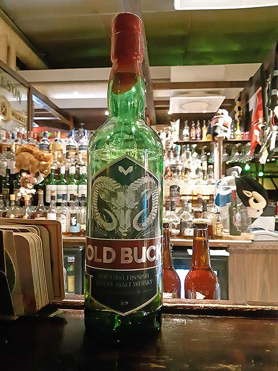 Old Buck at the counter of Panimoravintola Beerhunter's Pori